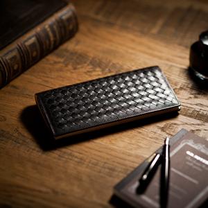 上品な織り込み財布