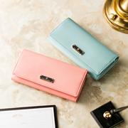 大人かわいいピンクの財布