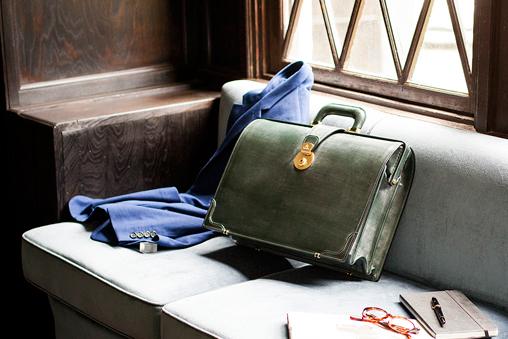 部長におすすめの品格漂うおしゃれなダレスバッグ