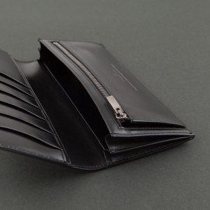 スリムできれいなメンズ財布は機能的