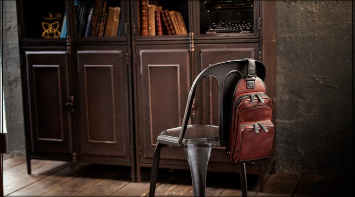 大人の男性の休日におすすめのメンズショルダーバッグ