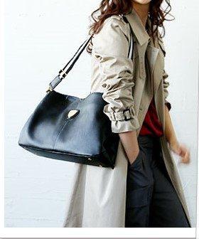 かっこいい女性のためのスタイリッシュなバッグ