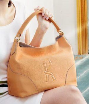 柔らかい革のバッグ_オレンジ