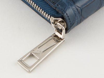 細部にまでこだわったクロコダイルの長財布