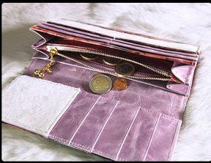 シックな花柄レディース長財布