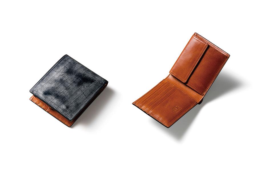 カジュアル過ぎない二つ折り財布
