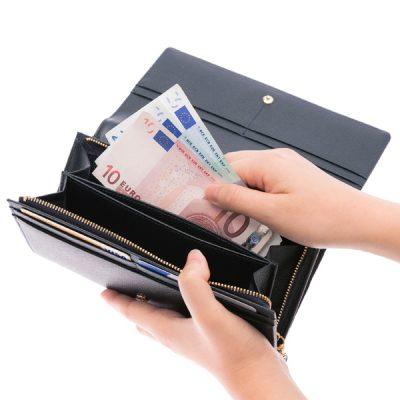 永年愛せるレディース長財布は使い勝手にも定評