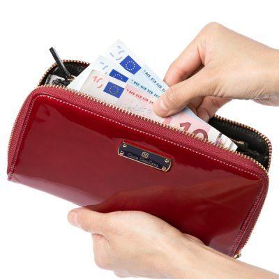 華やかな大人のレディース長財布