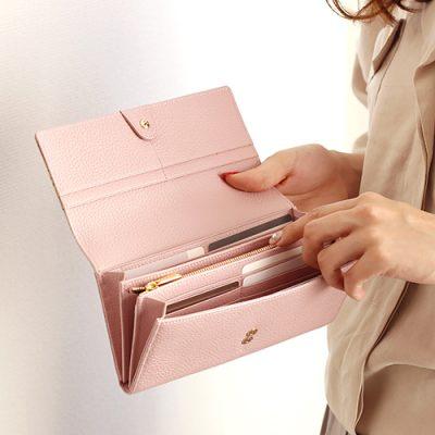 桜模様のレディース長財布 使い勝手も最高