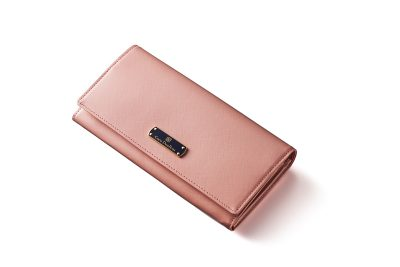 大人ピンクのレディース長財布で幸せ感アップ