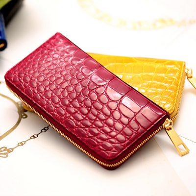 女性におすすめのクロコダイルの長財布