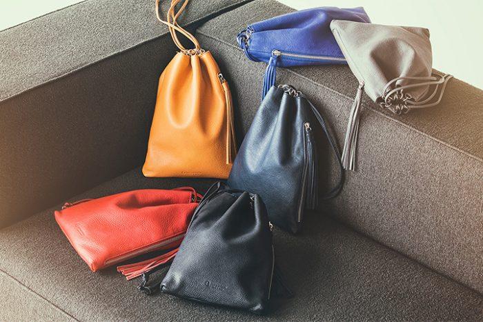 カラーが豊富な巾着バッグ